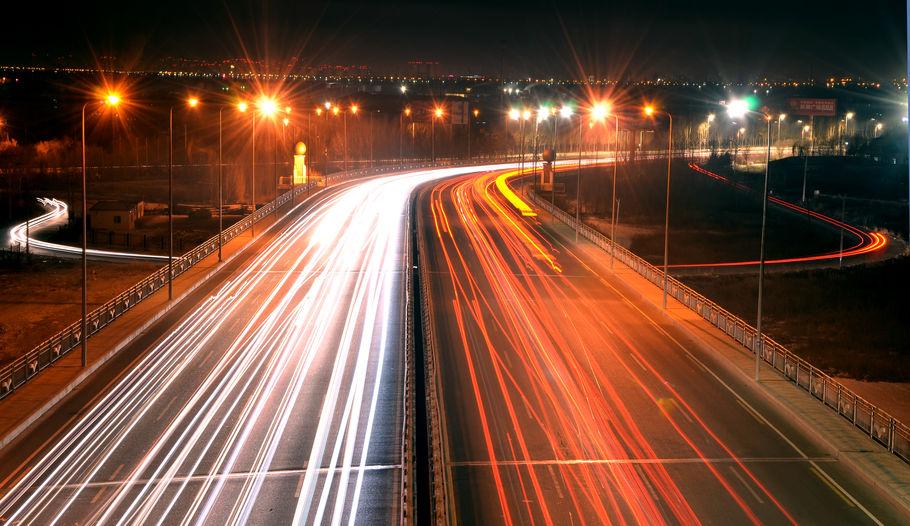 Wallonie : l'éclairage public qui passe au LED et des autoroutes connectées ? Mega fait le point.